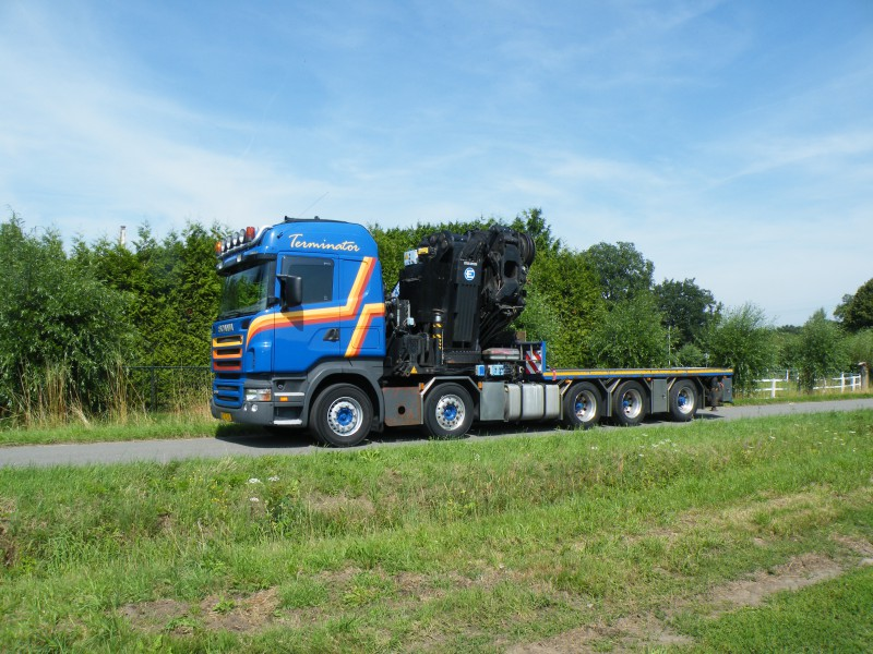 Kraan met jib en lier 175 ton/meter hijshoogte tot 42 meter