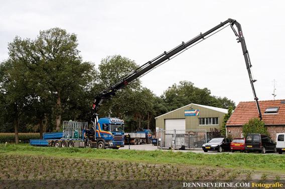 Kraan met jib en lier 100 ton/meter hijshhogte tot 30 meter