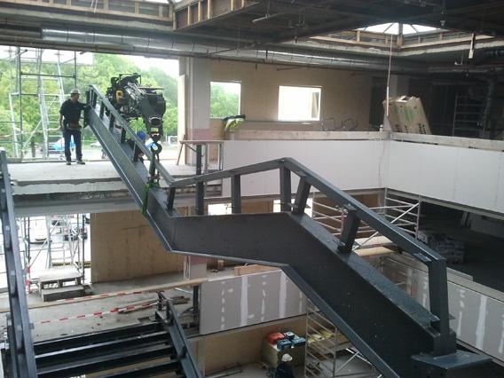 Vervoer en plaatsen trap (bouwmateriaal)